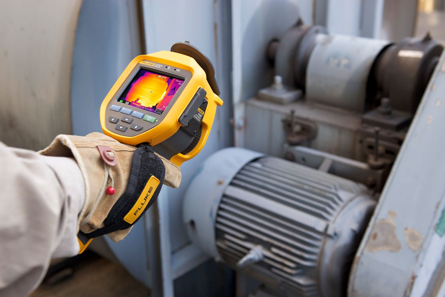 Industrial, electrical, power, energy and environmental inspections with a thermal camera