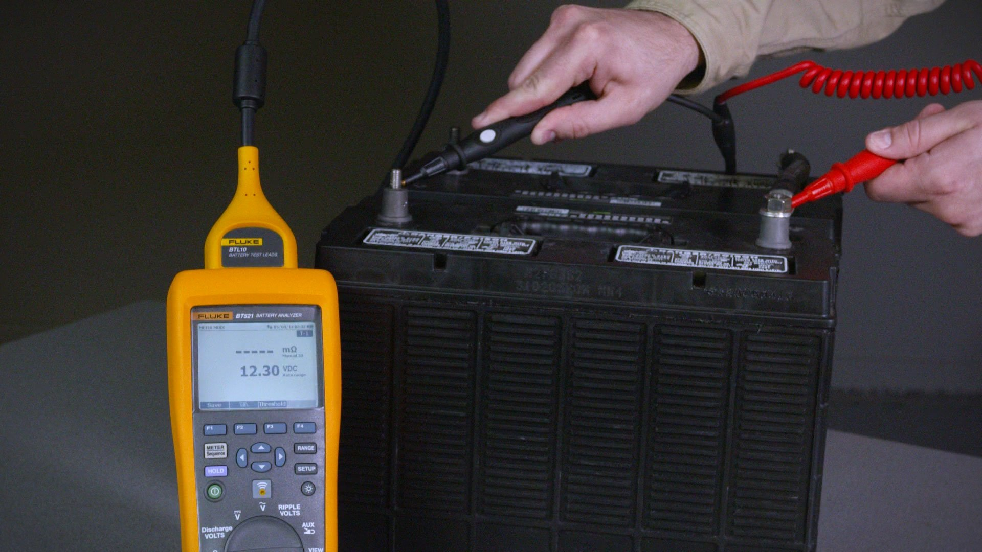 Fluke Training Library Demos Videos App Notes Lcd Marine Meter Wiring Diagram 500 Series Battery Analyzers Quick Demo