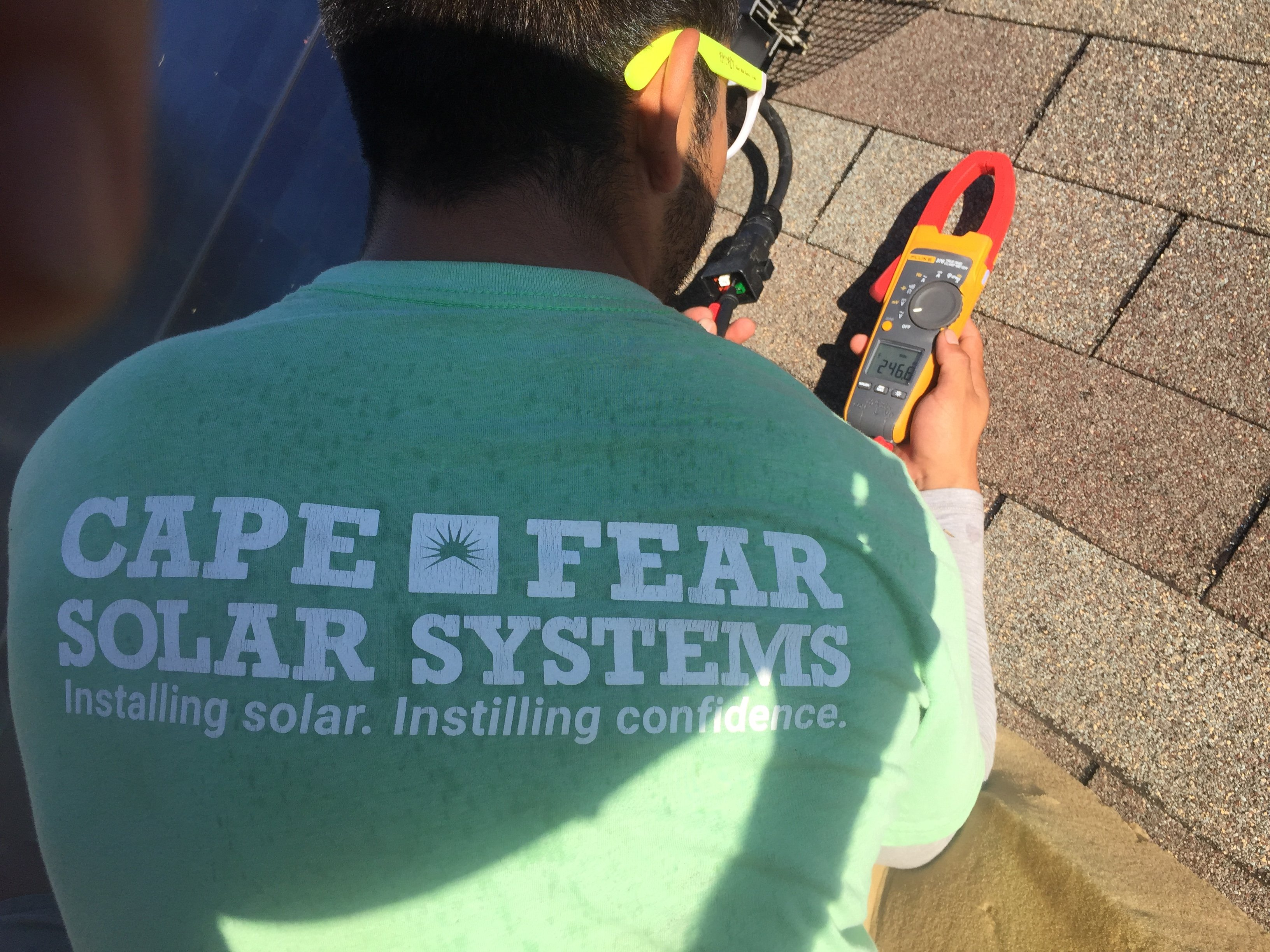 How The Fluke Clamp Meter Improves Efficiency For Solar