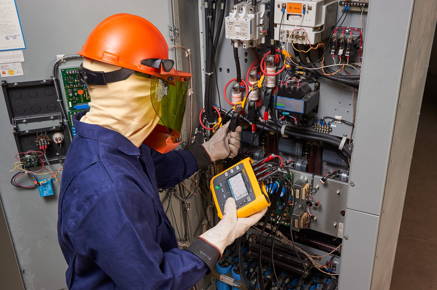 Using a Fluke 1738 Advanced Power Energy Logger to perform an energy study on a mechanical system