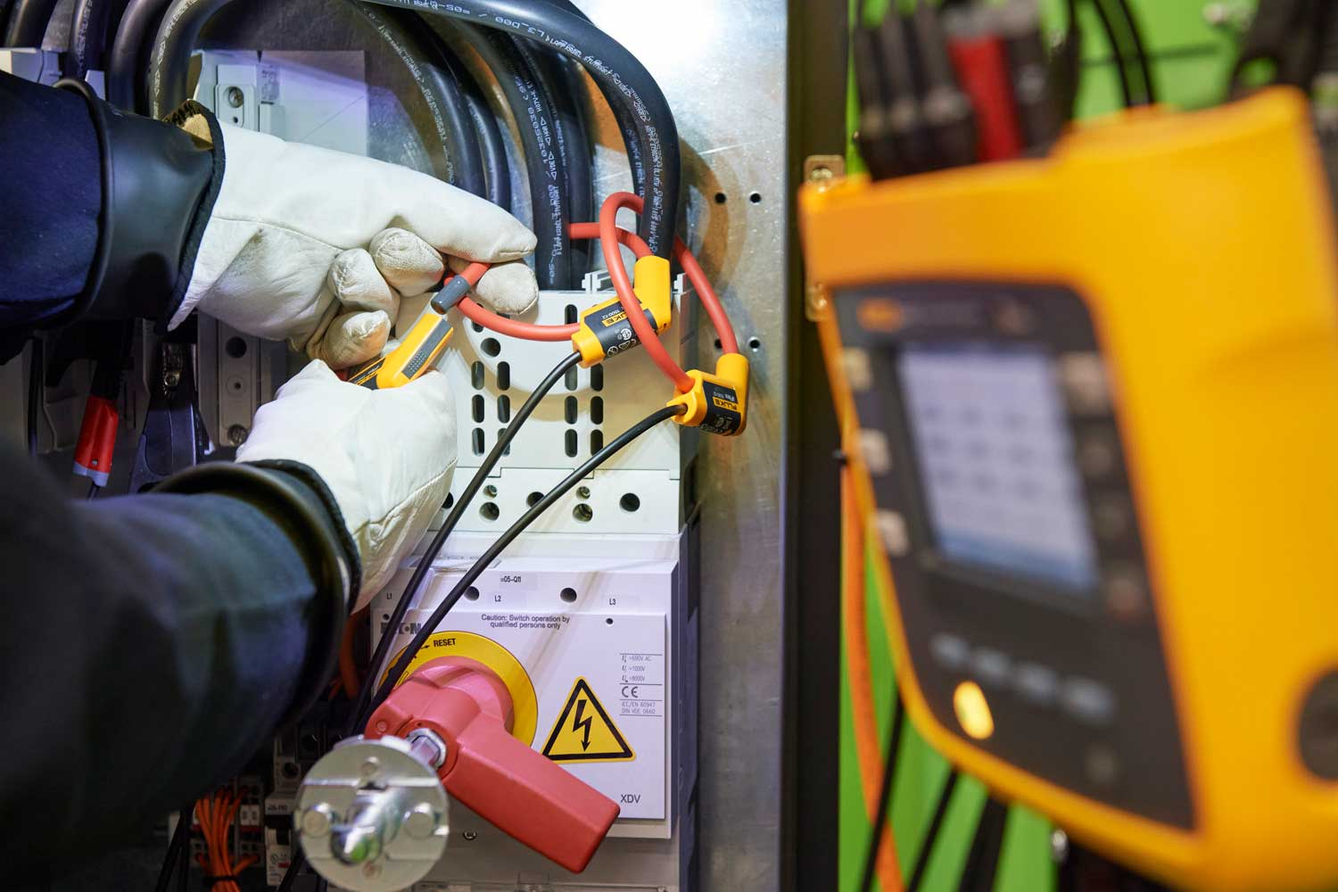 Remote power monitoring for maintenance managers