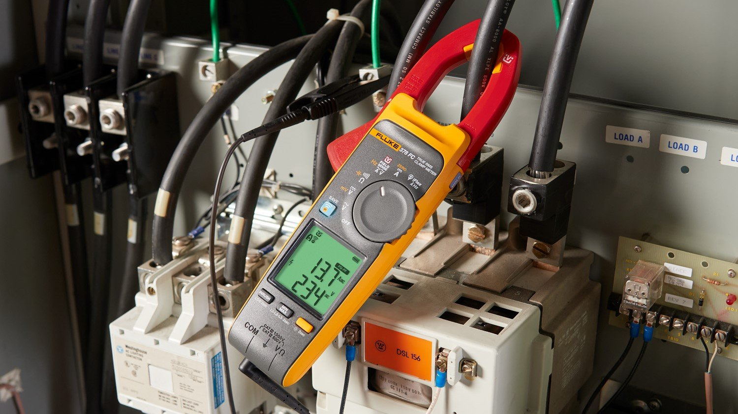 The Fluke 378 FC in PQ-PF mode.