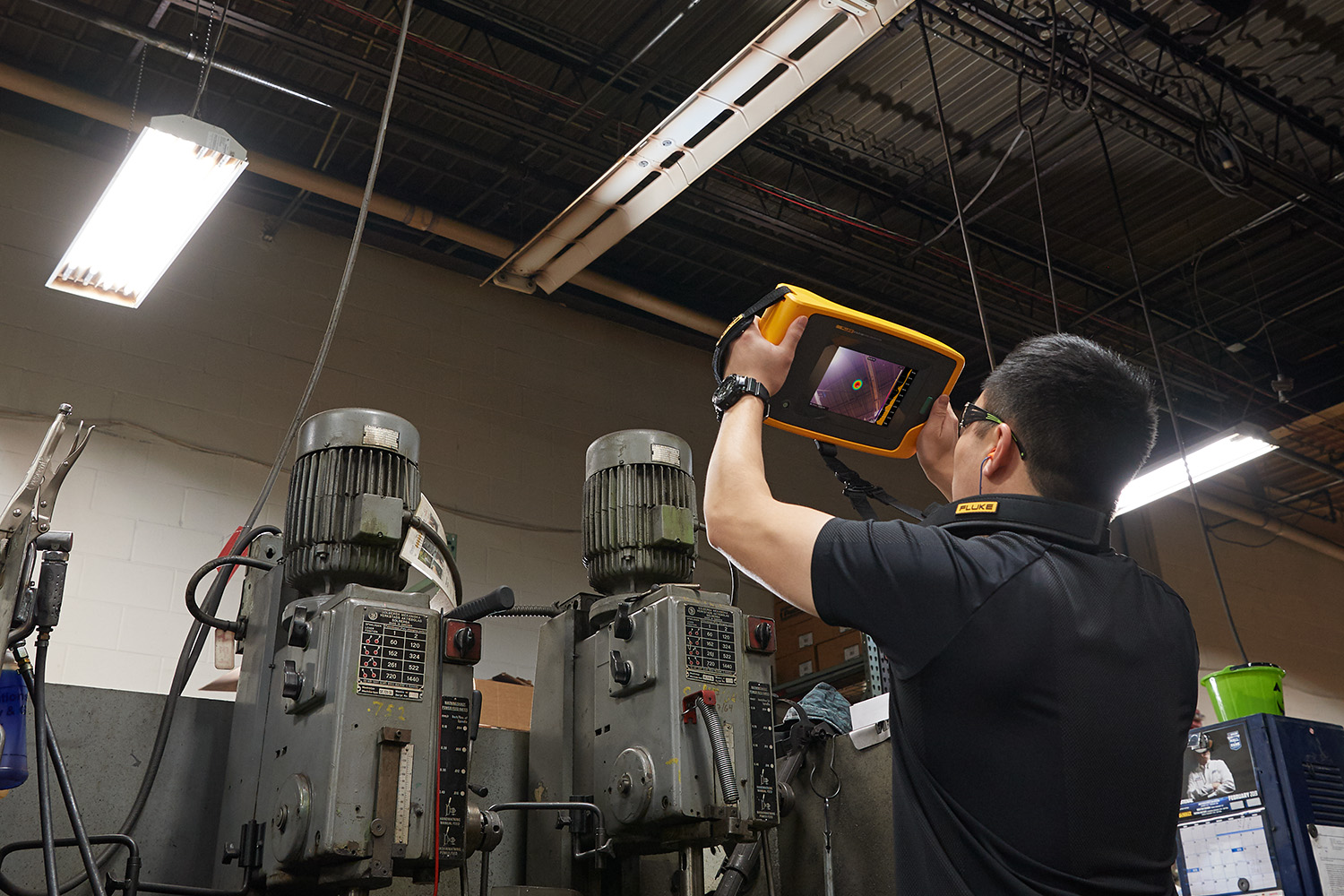 Inspecting compressed air lines with the Fluke ii900 Sonic Industrial Imager