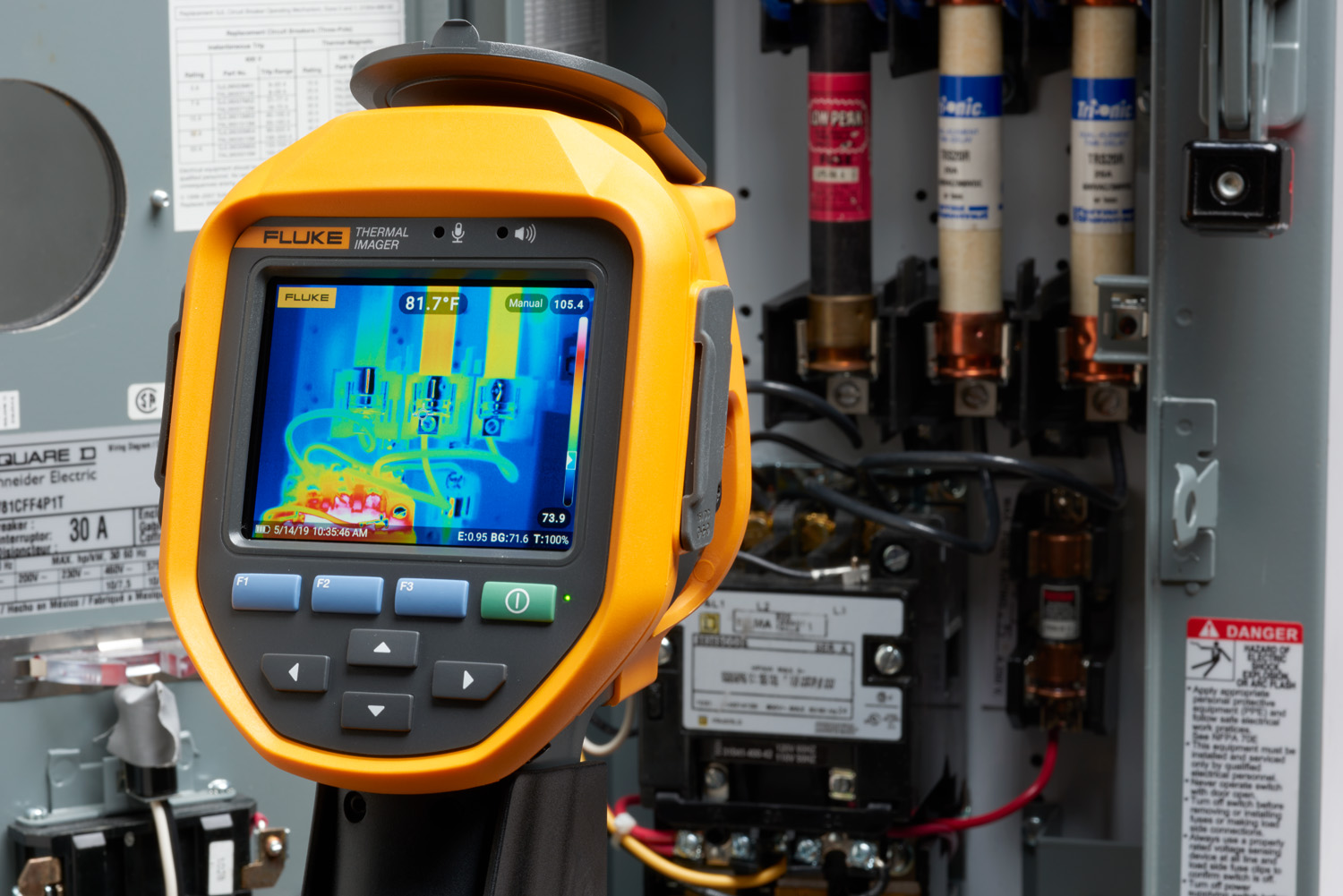 The Fluke Ti480 PRO inspecting an electric panel