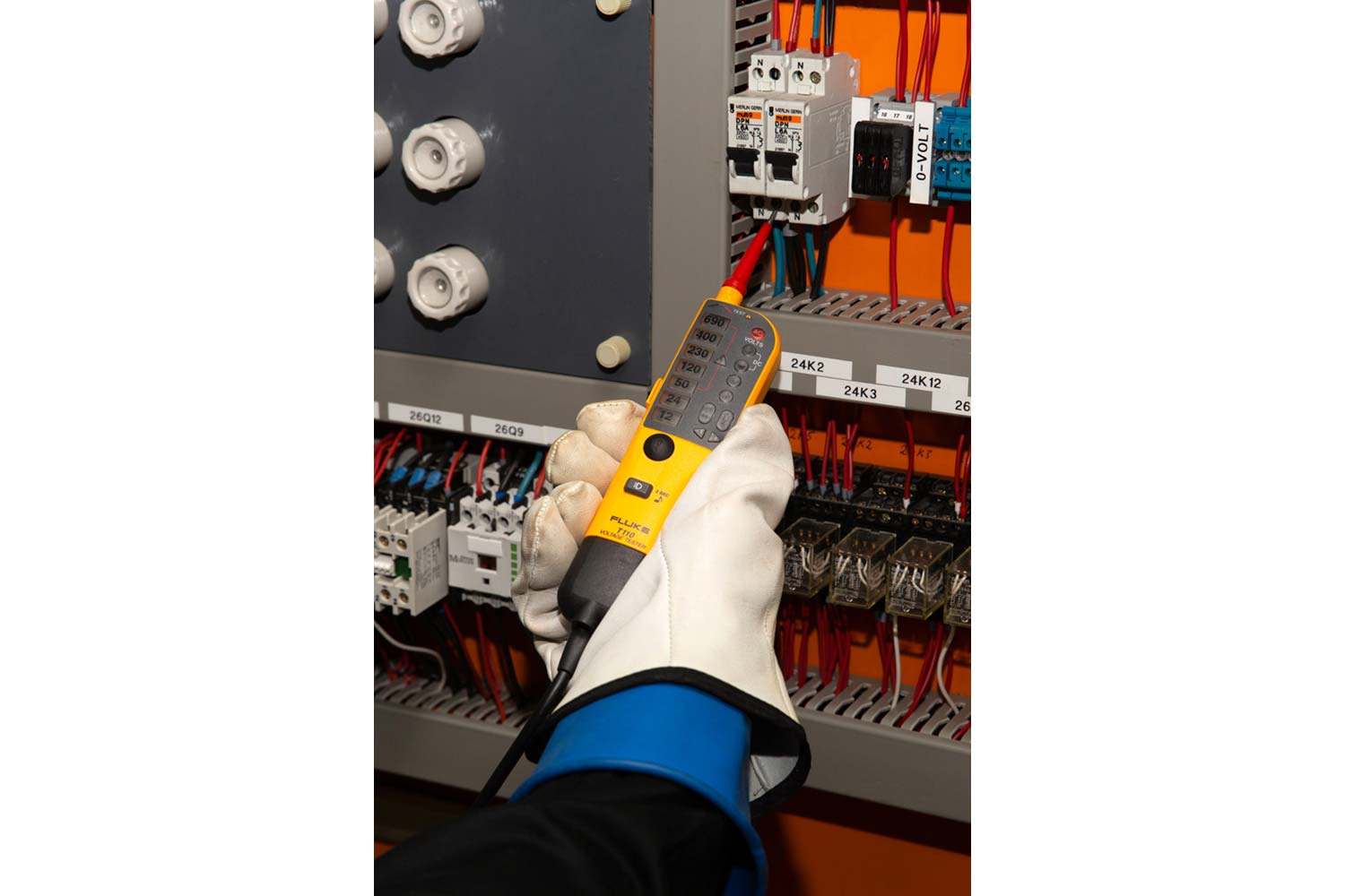 FLUKE T110 VDE Voltage and Continuity Tester