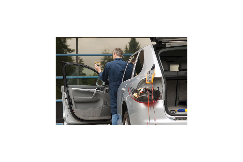 Fluke 233 A Remote Display Automotive Digital Multimeter Kit Brake Switch Test