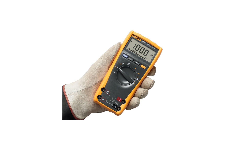 Fluke 175 True Rms Digital Multimeter Digitalmultimetercircuitboard14691919jpg