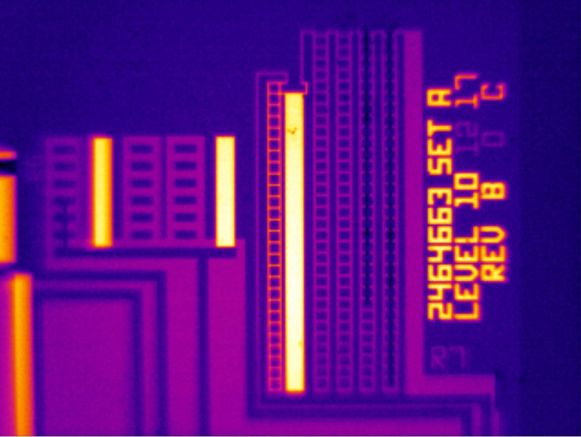Resistance chip taken with 25 micron macro lens