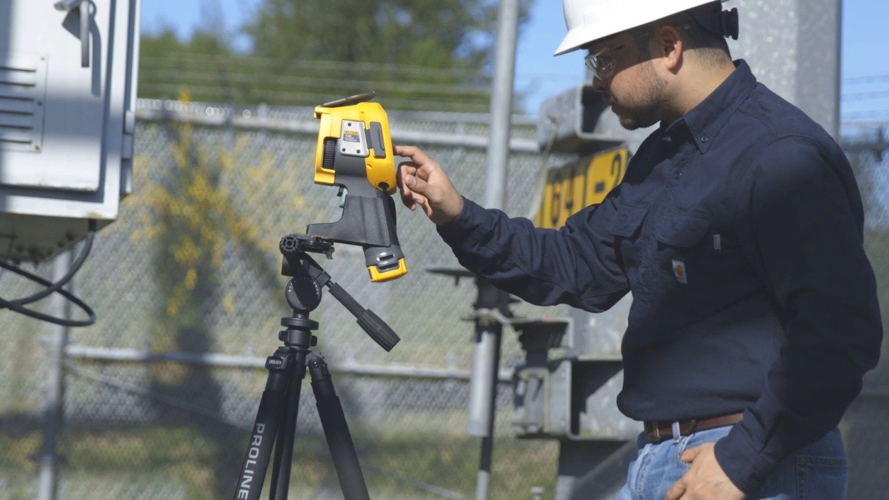 Fluke Ti450 SF6 Gas Detector Setting Up the Camera