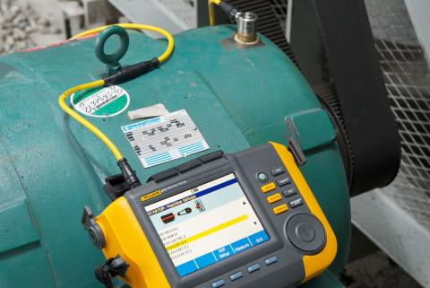 Capturing motor vibration using the Fluke 810 handheld vibration tester