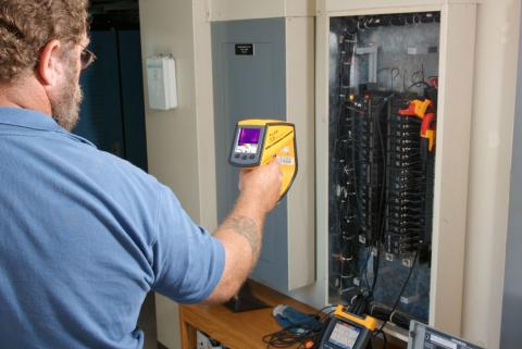 ARTICLE: Fluke instruments add reliability - 1