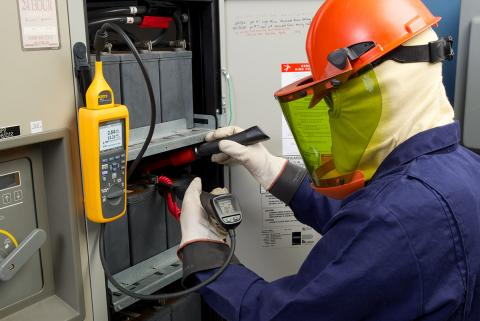 Fluke 500 Series Battery Analyzers increase accuracy and safety, reduce testing time