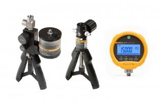 Hand pumps and pressure test gauges for field pressure testing