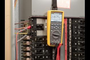 为什么你关心:混合柜电子和力量