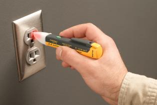 A million and one uses for voltage detectors