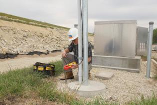 Earth ground testing for mine sites with Fluke 1625