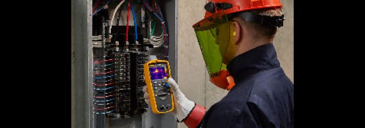 How to troubleshoot a pump control panel with a thermal multimeter