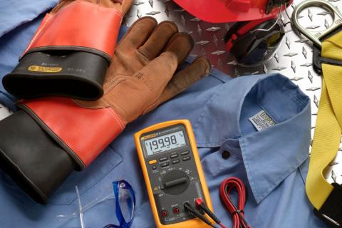 Using The 87V Digital Multimeter Diode Test On LEDs | Fluke