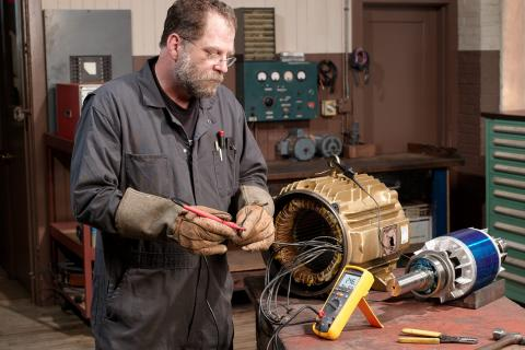 Reduce Motor Downtime: Sequential Insulation Resistance Tests | Fluke