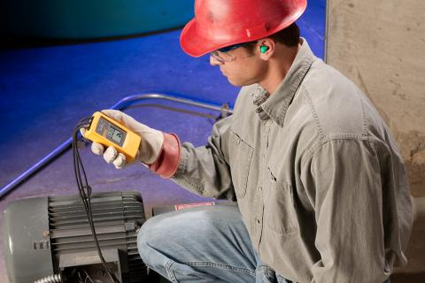 Insulation Multimeter Keeps 1950s Motors Generators Running | Fluke