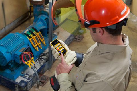 Electrician Cuts Time In Arc Flash Zone In Half With Wireless Tools | Fluke