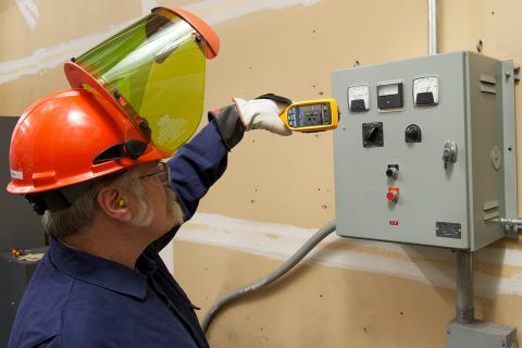 Managing VFD Voltage With A Shaft Grounding Kit | Fluke