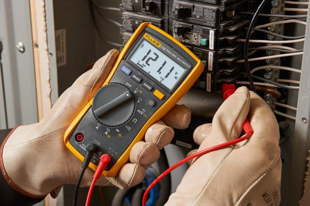 115 DMM measures ac and dc voltage current and more