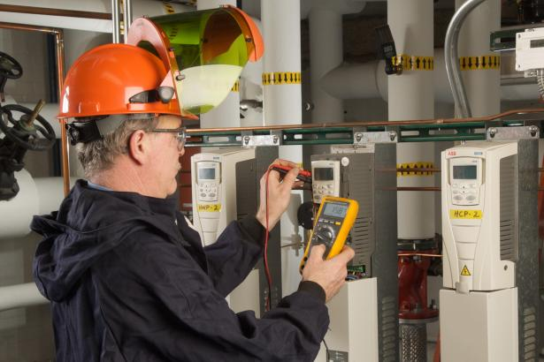 A full-featured multimeter for troubleshooting electrical and electronic systems
