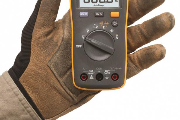 Fluke 107 Palm-sized Digital Multimeter | Fluke