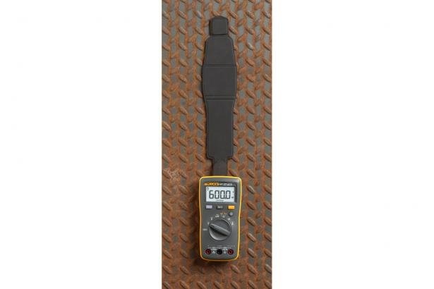 Fluke 107 with SmartStrap™ intelligent magnetic multi-purpose lanyard