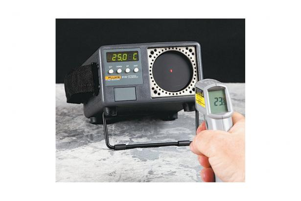 Fluke 9132/9133 Portable Infrared Calibrator | Fluke