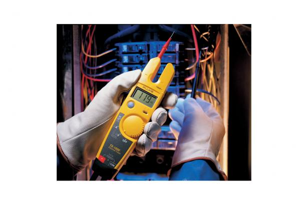 Fluke T5-1000 Voltmeter, Continuity And Current Tester | Fluke