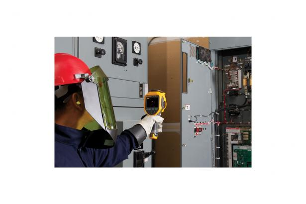 Thermal Cameras: Fluke Ti200 Infrared Camera | Fluke